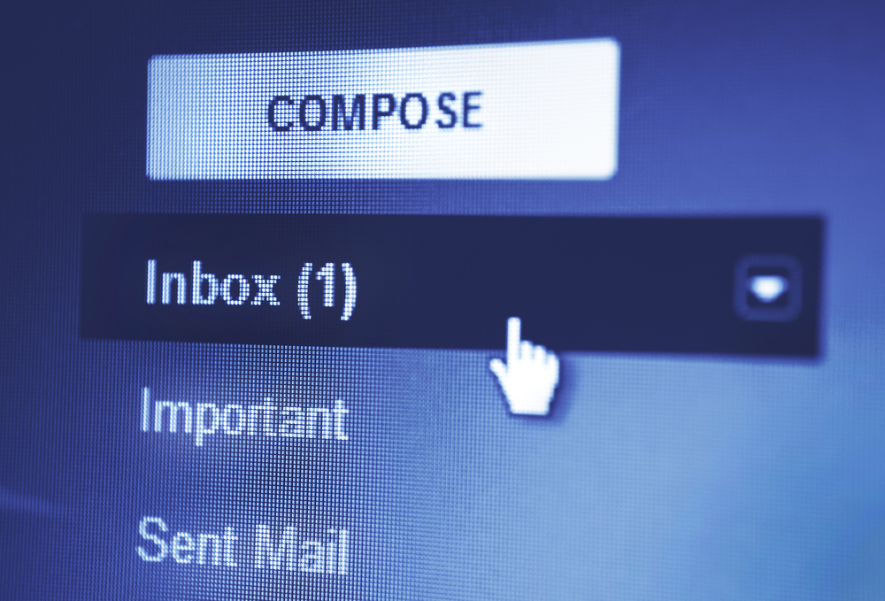 mouse pointing in an inbox